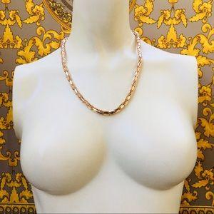 "Gold chain statement 18"" snake"